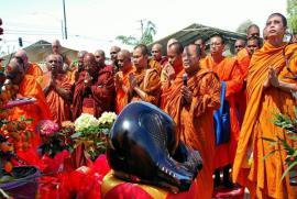 Ý nghĩa của Nghi lễ - Sự cúng dường và lễ khai tâm trong đạo Phật