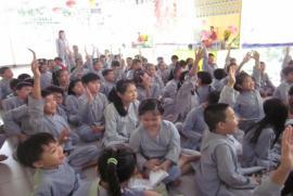 Đức Phật với tuổi thơ - Tranh tô màu Phật giáo, tại sao không?