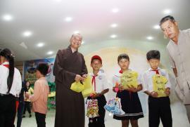 Trung thu ấm áp của trẻ em vùng sâu An Giang