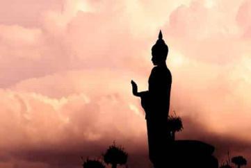 Làm thân Phật chảy máu