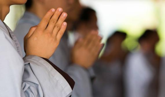 Trong Phật giáo có những người cuồng tín không?