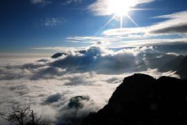Bầu trời tuy rộng nhưng vẫn còn bầu trời rộng hơn