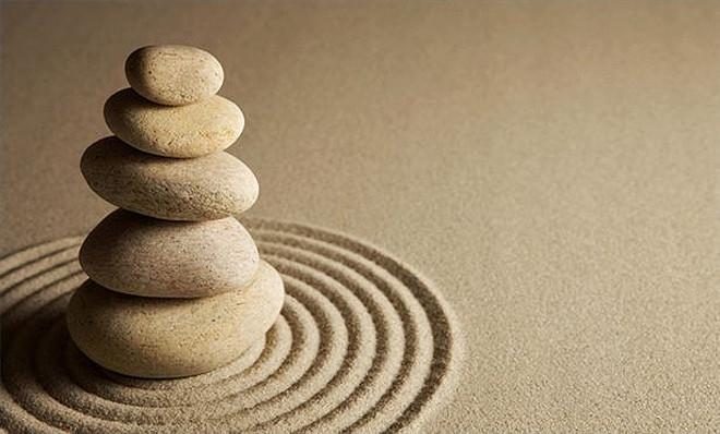 Đá, cát, sỏi, nước - điều gì cần nhất trong cuộc đời? (Ảnh minh họa/qua csszengarden.com)