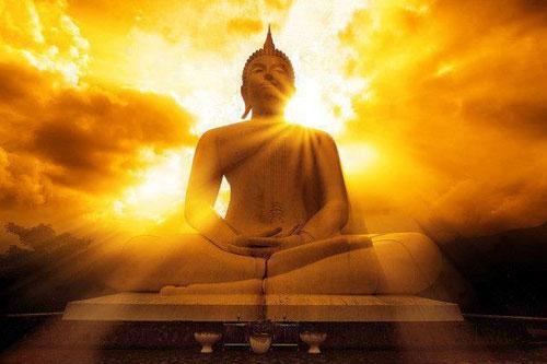 Đức Phật ở đâu? Câu trả lời của ông lão khiến chàng trai trẻ bừng tỉnh