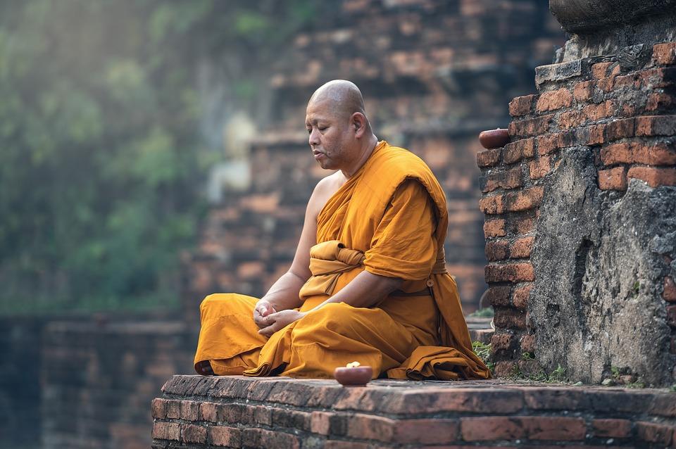 Phật tử tu thiền thì hay mắc bệnh nói tận trời xanh, toàn là kiến tánh rồi đốn ngộv.v... nhưng đụng đến thì sanh sự, rầy rà ... đủ thứ chuyện.