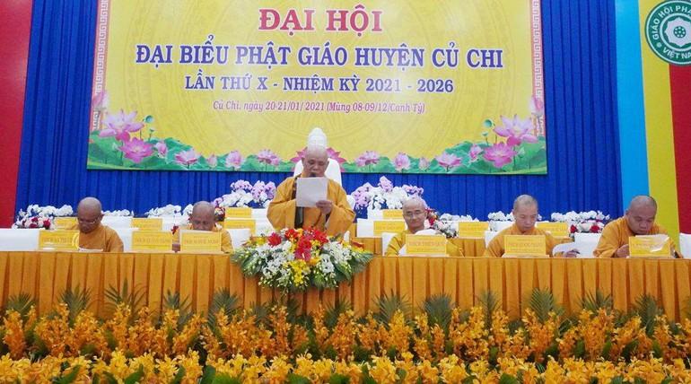 Hòa thượng Thích Huệ Nghị đọc diễn văn khai mạc