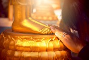 Đức Phật có phủ nhận việc cầu nguyện? - Thích Trung Hữu
