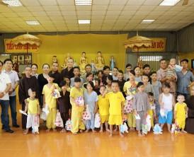 Phát quà Trung Thu tại Chùa Phật Minh - Bến Tre - 2017